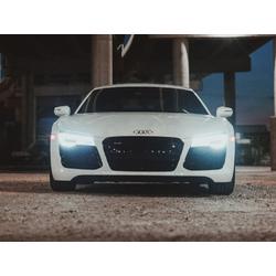 Audi R8   Ауди